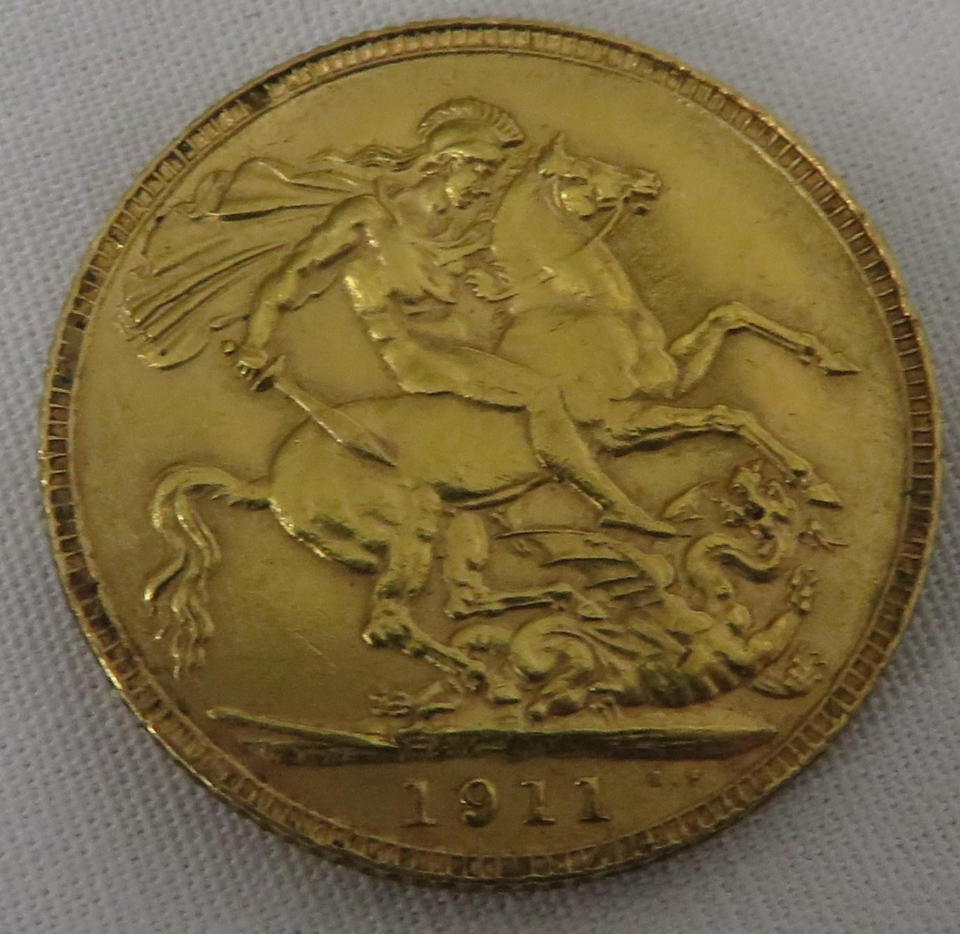 Lot 10 - 1911 full sovereign