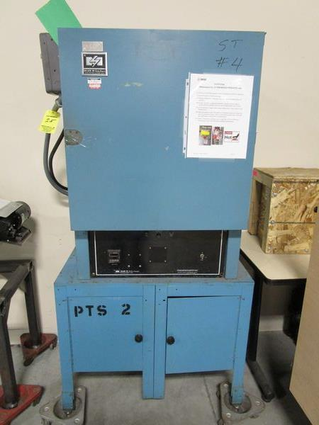 Blue M Oven (Missing Handle)