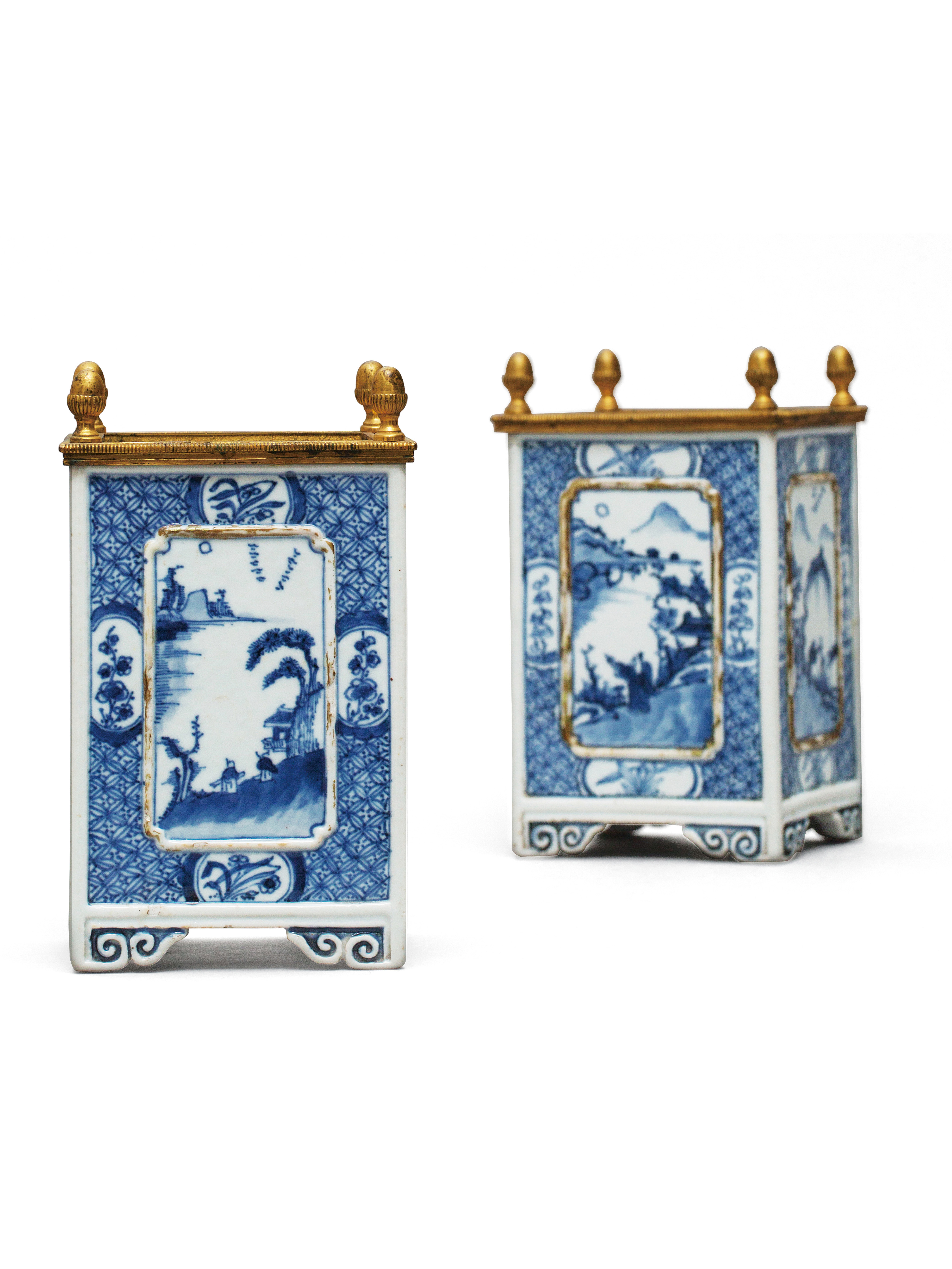 Lot 49 - A pair of blue and white square brushpot Qing Dynasty, Kangxi Period