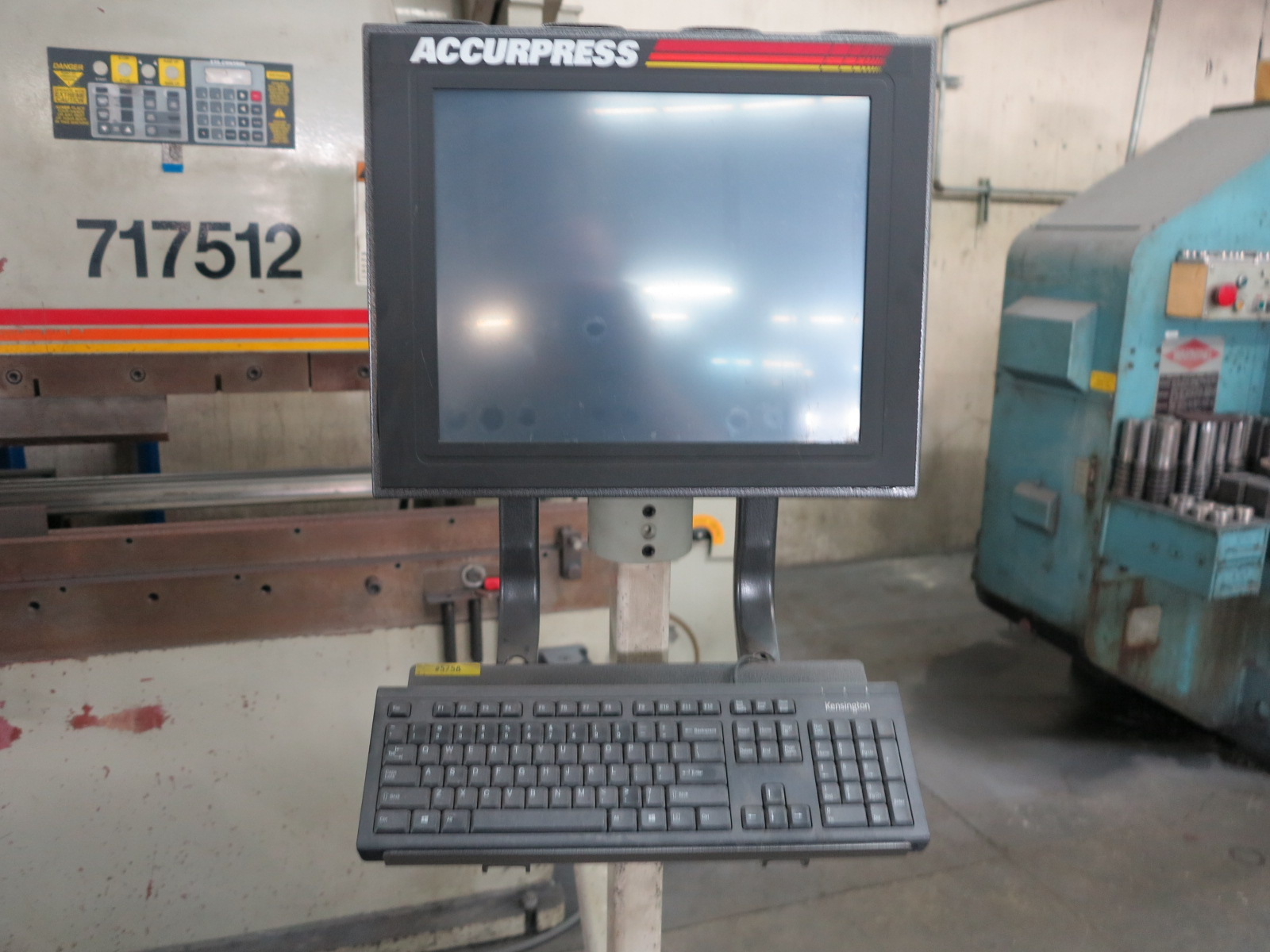 1999 ACCURPRESS BRAKE, MODEL 7017512, 175-TON X 12', E&S CONTROL, CNC BACKGAUGE, SUPPORTS, S/N 5758 - Image 3 of 7