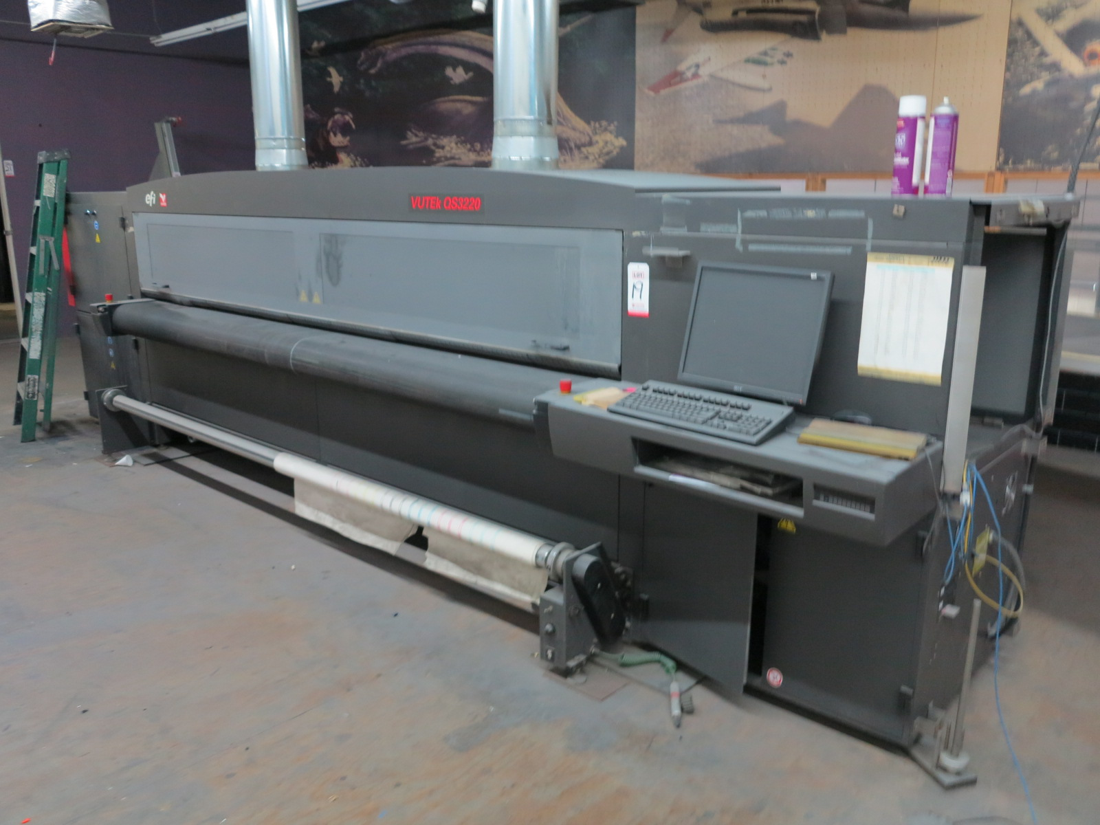 2012 EFI VUTEK QS3220 SUPER LARGE FORMAT PRINTER, FOR RIDGID AND ROLL-TO-ROLL PRINTING, S/N 630312