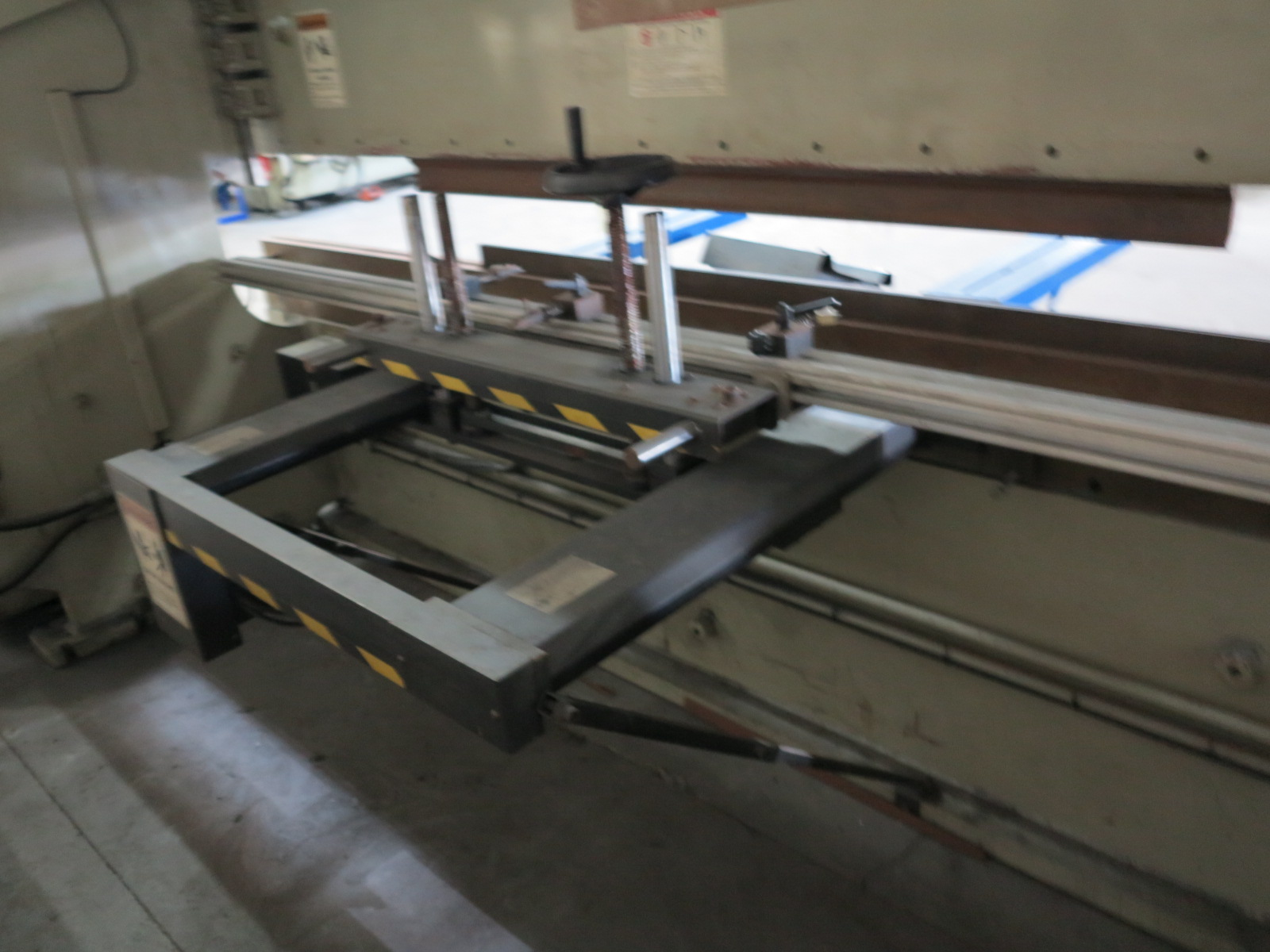 1999 ACCURPRESS BRAKE, MODEL 7017512, 175-TON X 12', E&S CONTROL, CNC BACKGAUGE, SUPPORTS, S/N 5758 - Image 5 of 7