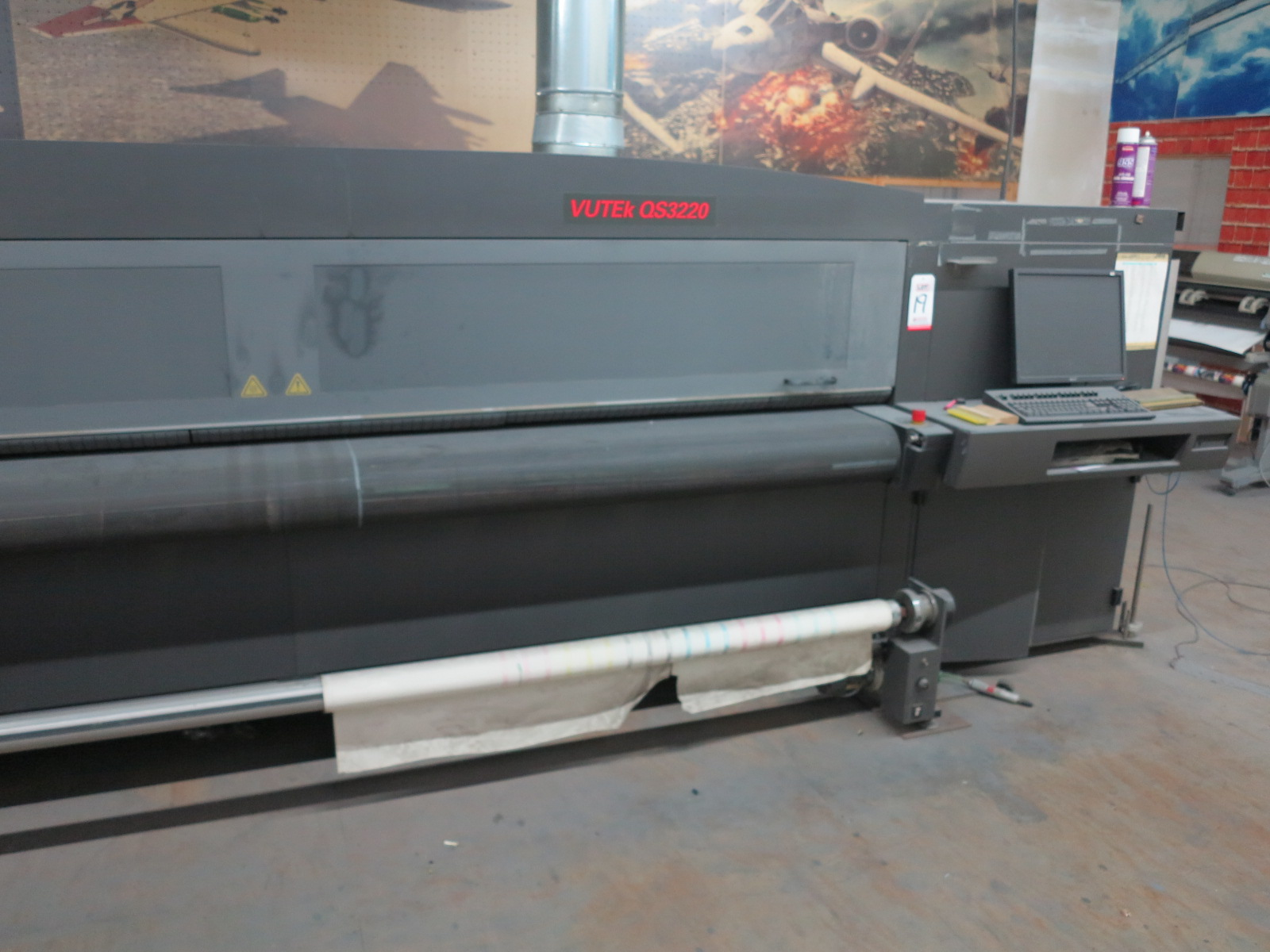 2012 EFI VUTEK QS3220 SUPER LARGE FORMAT PRINTER, FOR RIDGID AND ROLL-TO-ROLL PRINTING, S/N 630312 - Image 2 of 5