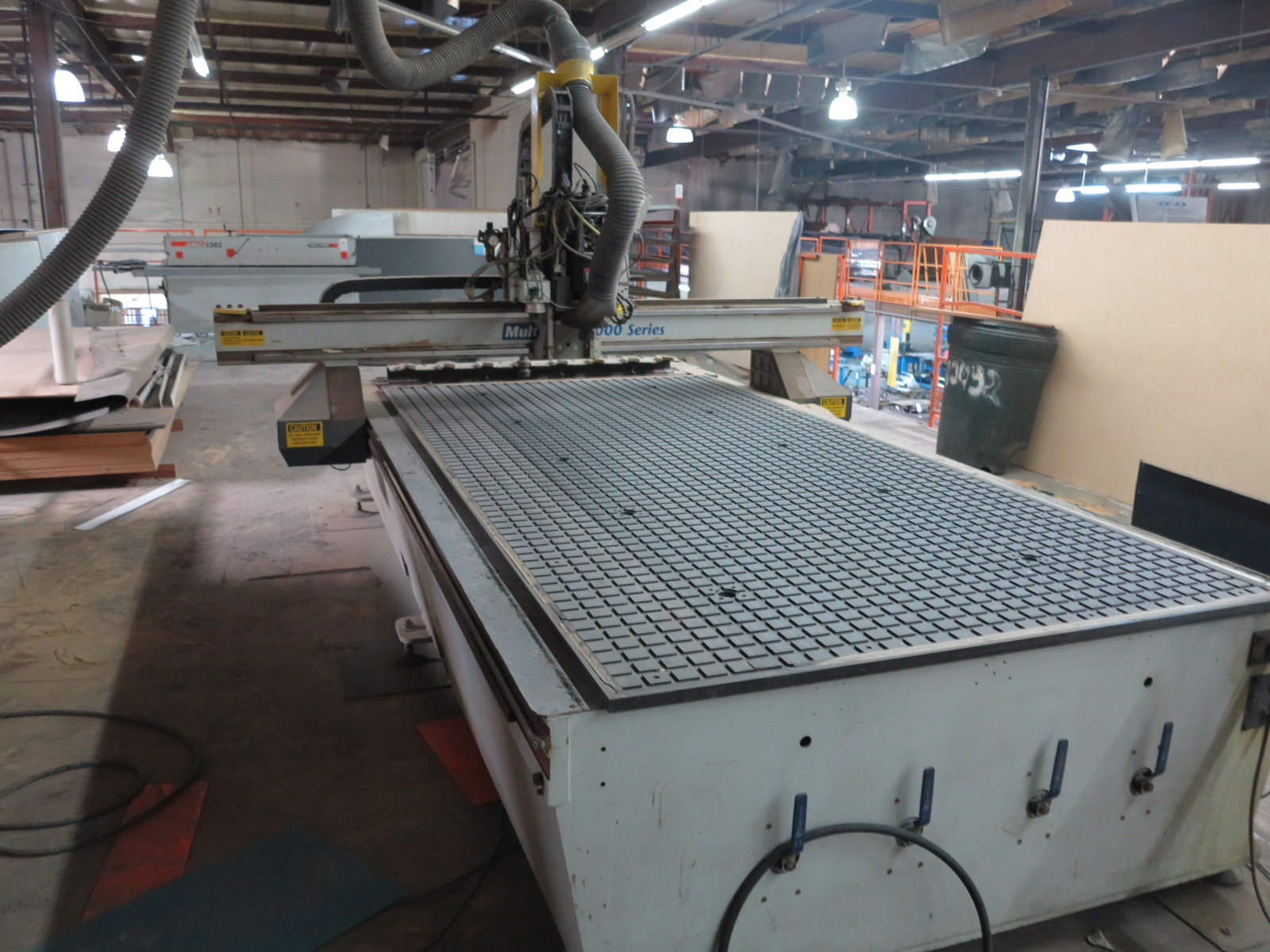 "2011 MULTICAM 3000 SERIES CNC ROUTER, 60""X122"", POSITION RACK TYPE TOOL CHANGER, S/N 3-204-R-PF08407 - Image 3 of 6"