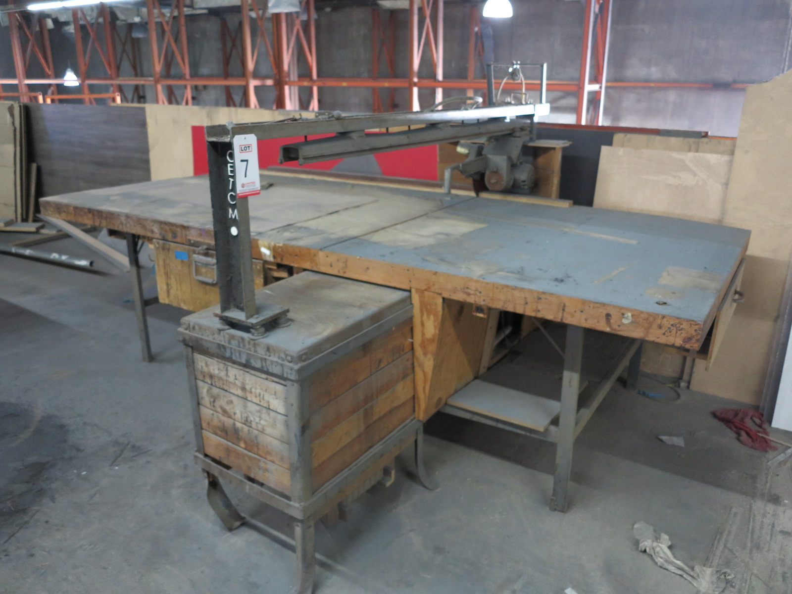 HORIZONTAL RADIAL ARM PANEL SAW, OUT OF SERVICE