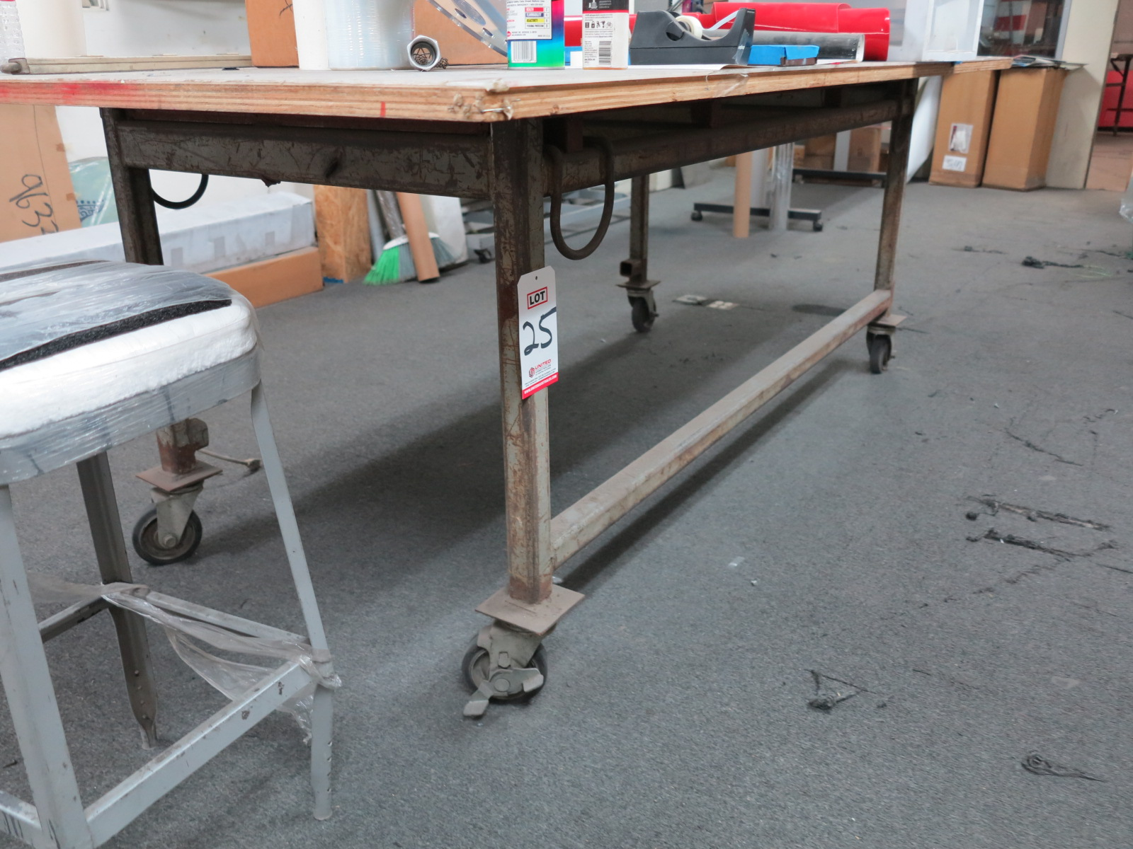 LAYOUT TABLE, 4' X 8', ON CASTERS
