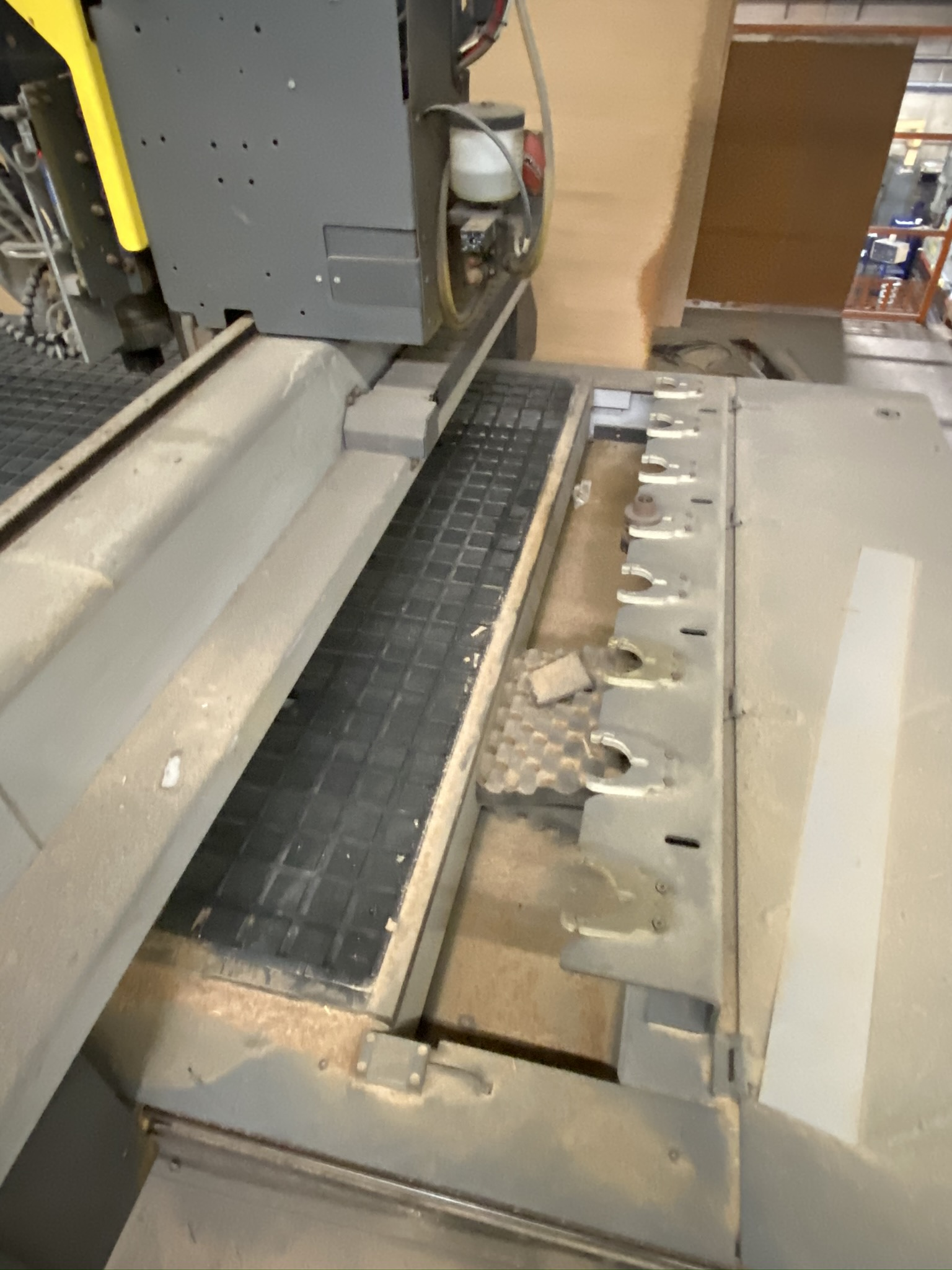 "2011 MULTICAM 3000 SERIES CNC ROUTER, 60""X122"", POSITION RACK TYPE TOOL CHANGER, S/N 3-204-R-PF08407 - Image 5 of 6"