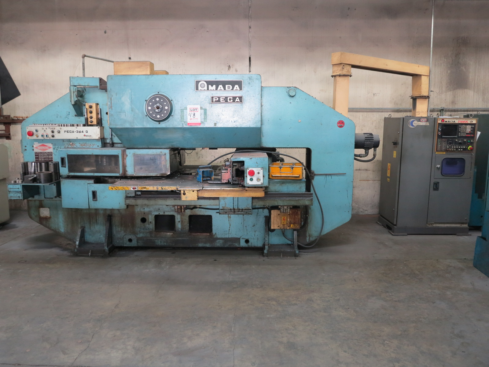 1983 AMADA PEGA 344 QUEEN TURRET PUNCH, 30-TON, 56-STATION TURRET, THICK TURRET, S/N AH440115 - Image 2 of 5