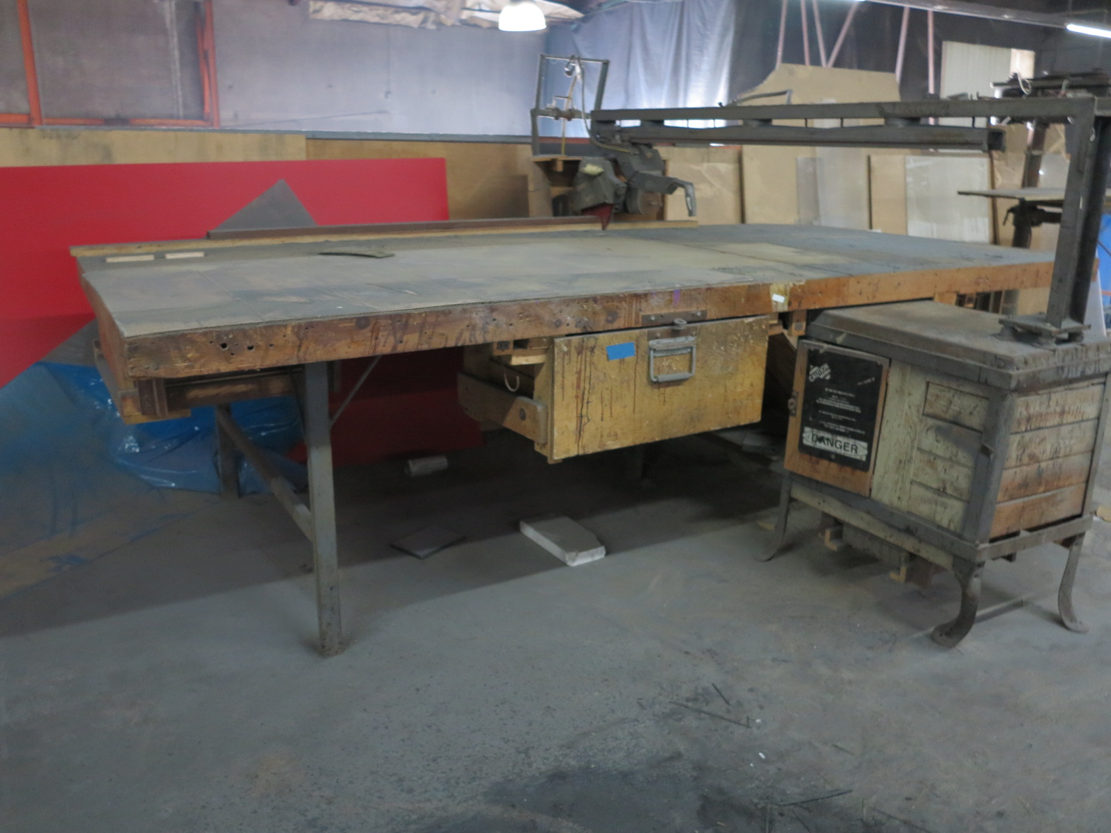 HORIZONTAL RADIAL ARM PANEL SAW, OUT OF SERVICE - Image 3 of 3