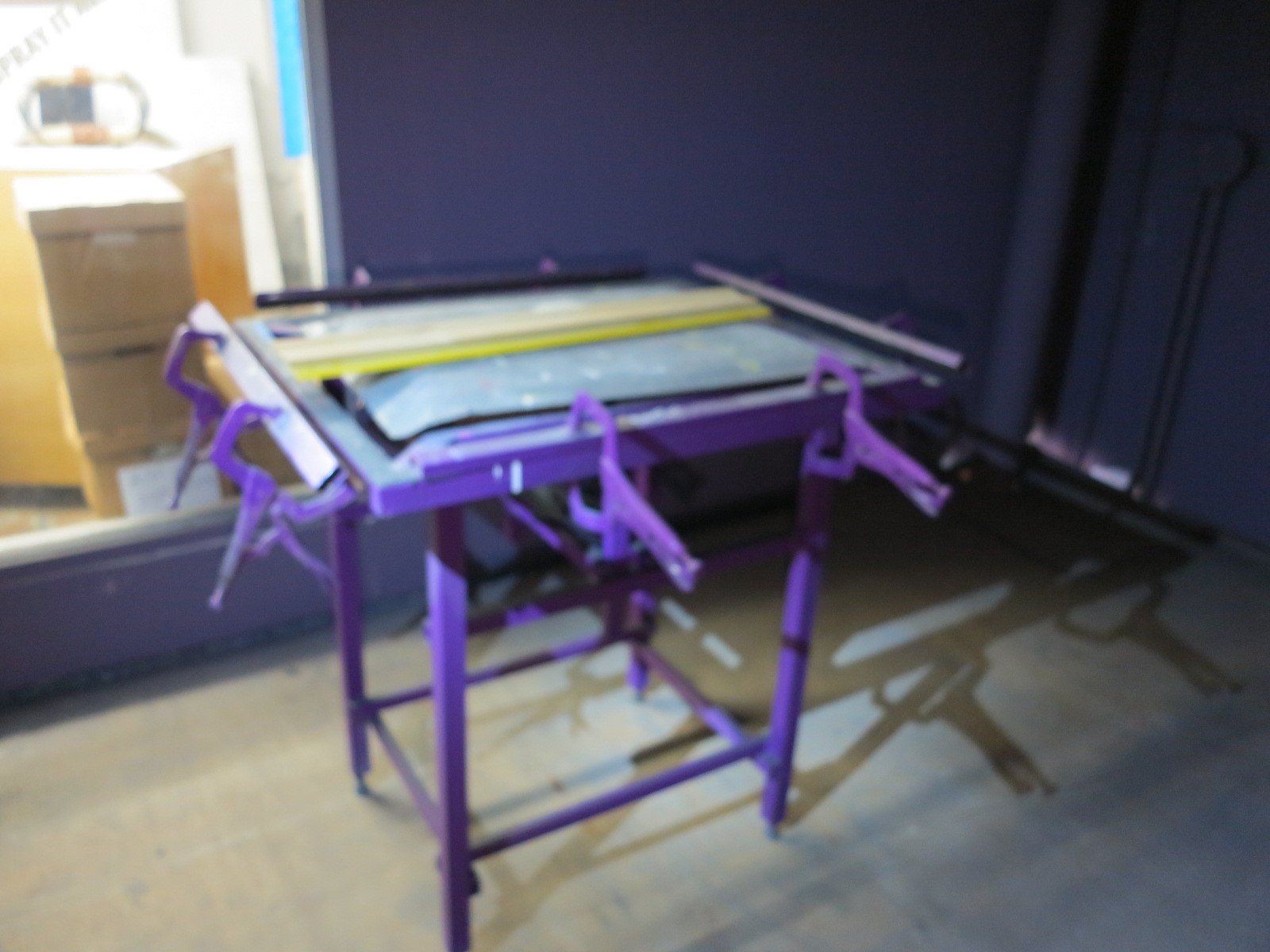 LOT - CONTENTS OF SILKSCREEN OFFICE, TO INCLUDE: MISC SCREENS, ATLAS GRAPHIC 5-WAY VACU-LITE TABLE A - Image 2 of 2