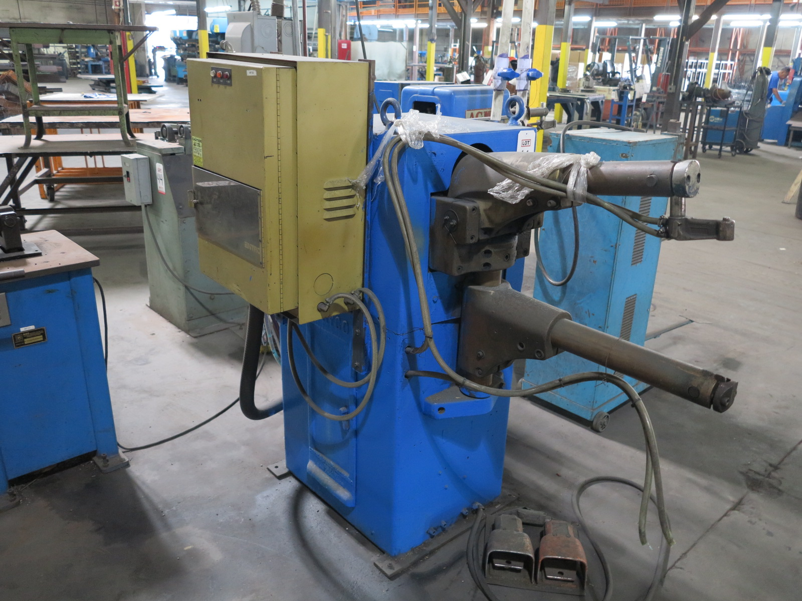"""24"""" STRYCO SPOT WELDER, FOOT PEDAL, ENTRON CONTROL - Image 2 of 2"""