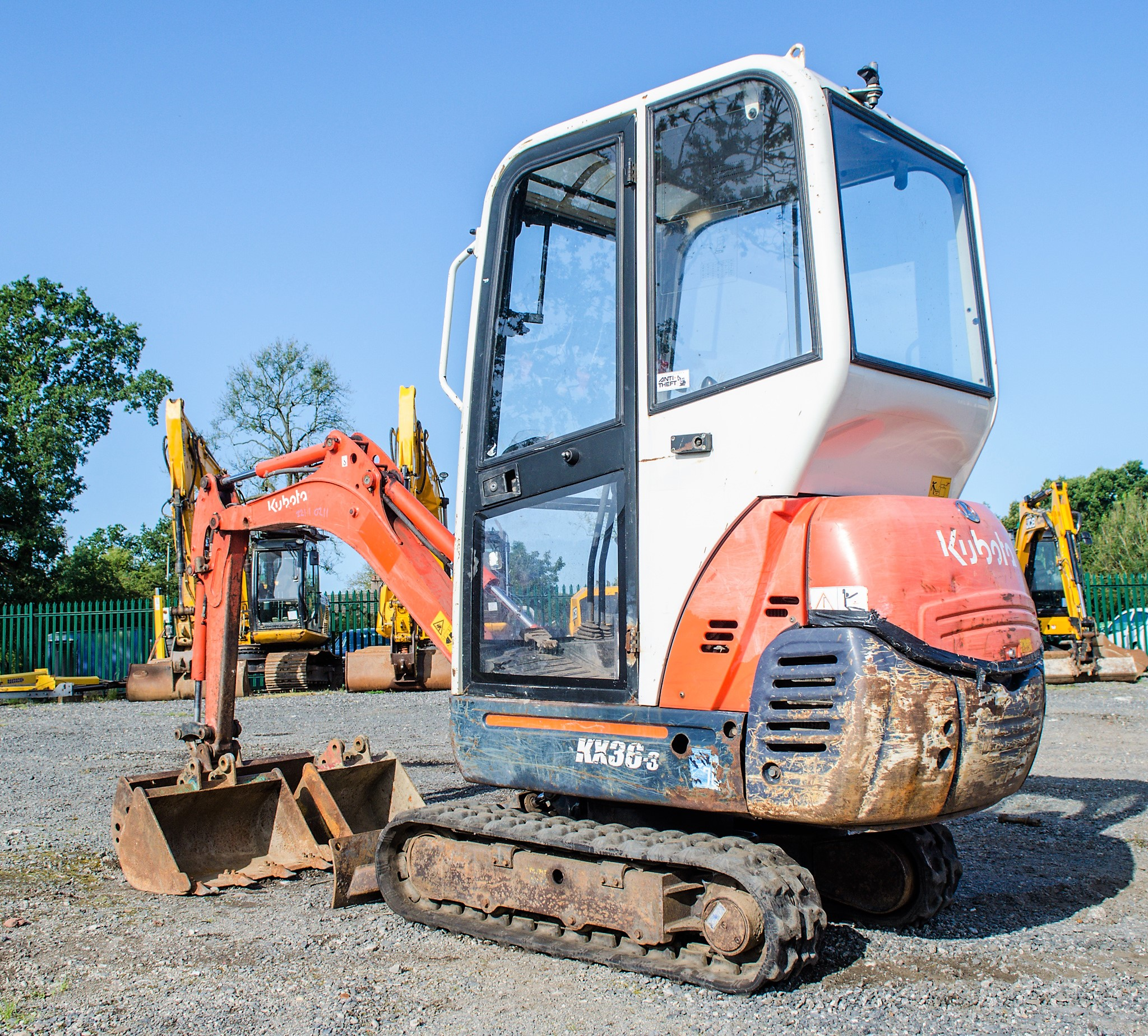 Kubota KX36-3 1.5 tonne rubber tracked mini excavator Year: 2007 S/N: Z077298 Recorded Hours: 4205 - Image 3 of 18