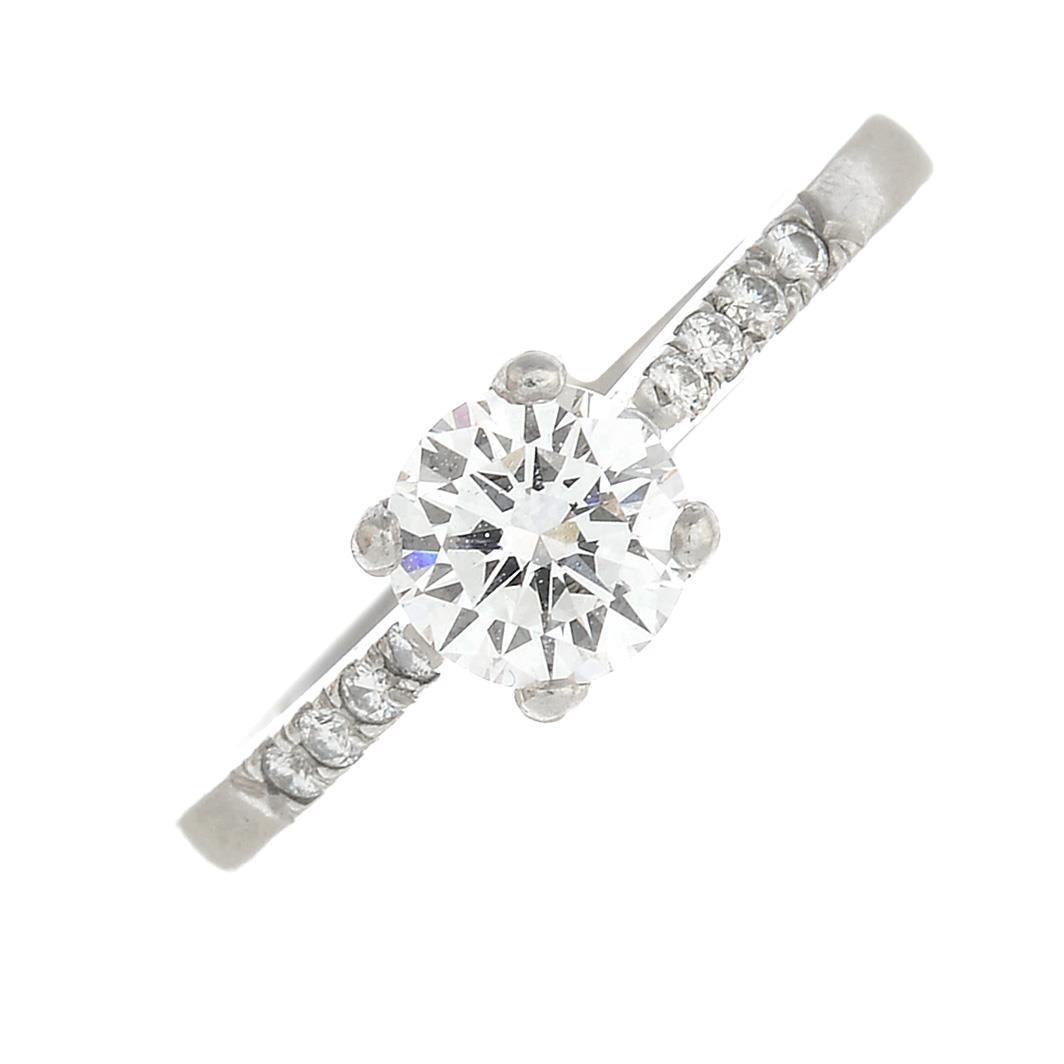 Lot 1 - A platinum ring,