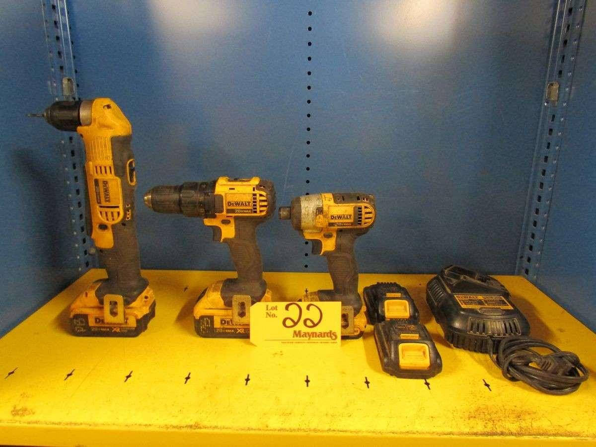 Lot 22 - DeWalt 20V Lithium Ion Cordless Drill Set