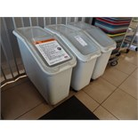 LOT, 3X RUBBERMAID PORTABLE INGREDIENT BINS (CRACKED LIDS)