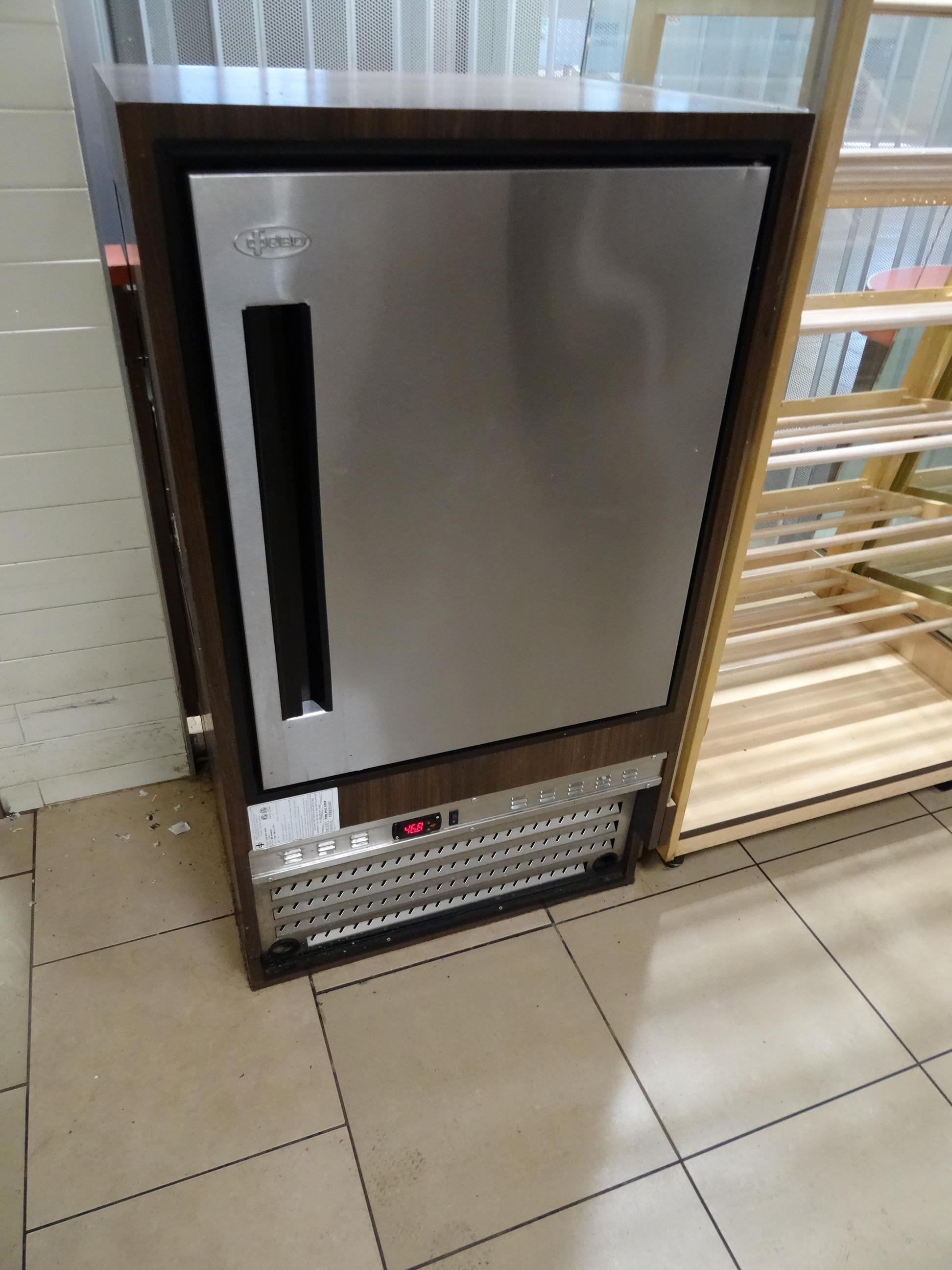 """1X, QBD 64"""" COLD/DRY CASE (29"""" COLD) - Image 9 of 10"""