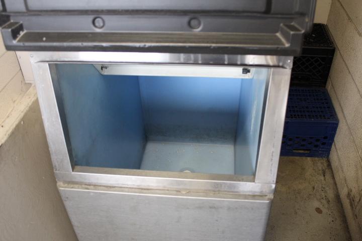 1X, HOSHIZAKI KM-320MAH 310LB ICE MACHINE W/BIN - Image 3 of 6