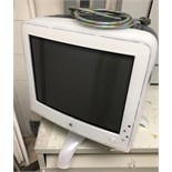 MAC COMPUTER , SCREEN COMPUTER IN ONE UNIT