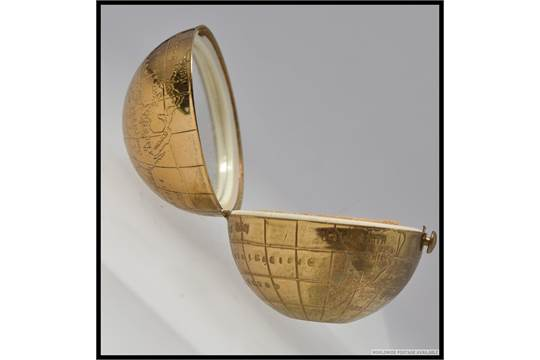 Vintage 50s pygmalion golden globe powder compact fabulous golden previous gumiabroncs Gallery