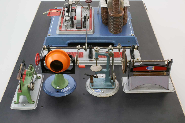 Dampfmaschine Wilesco mit ZubehörDampfmaschine, Transmissionsantrieb, Säge, Betonmischer, - Bild 3 aus 4