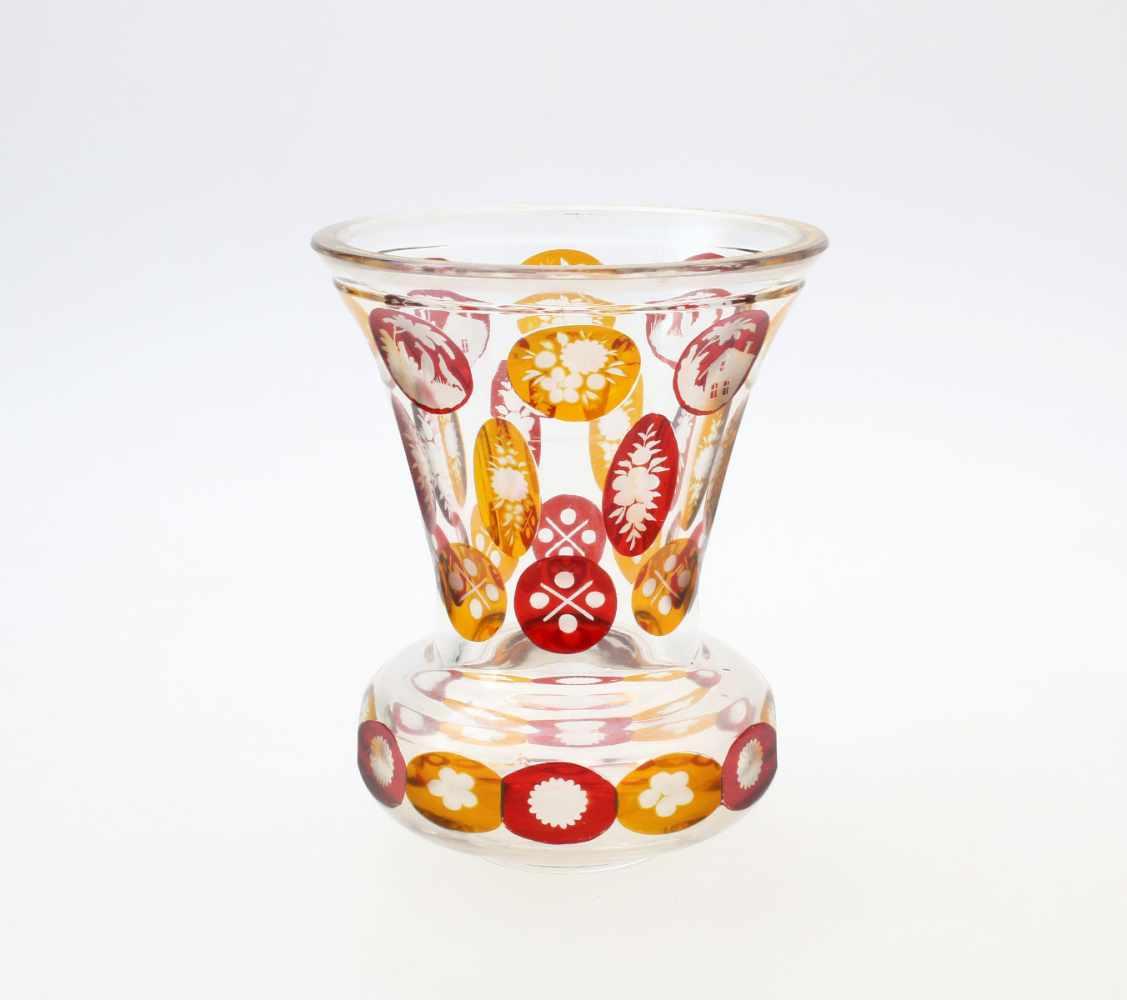3 Glasbecher Haida, Böhmen1. Farbloses Glas, abgesetzter Lippenrand, Reste von Vergoldung, - Bild 2 aus 4