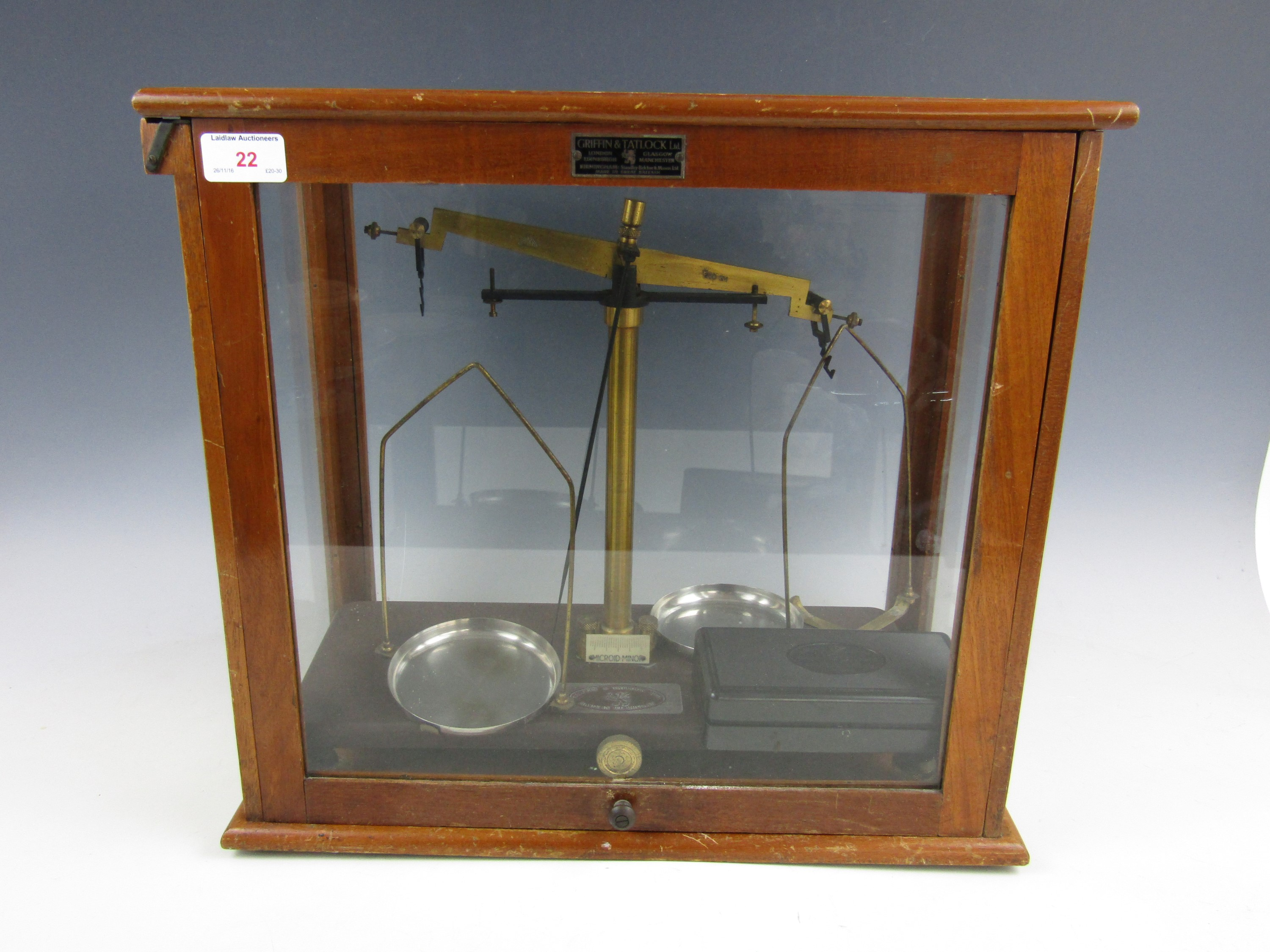 Lot 22 - Cased Griffin and Tatlock beam scales with weights