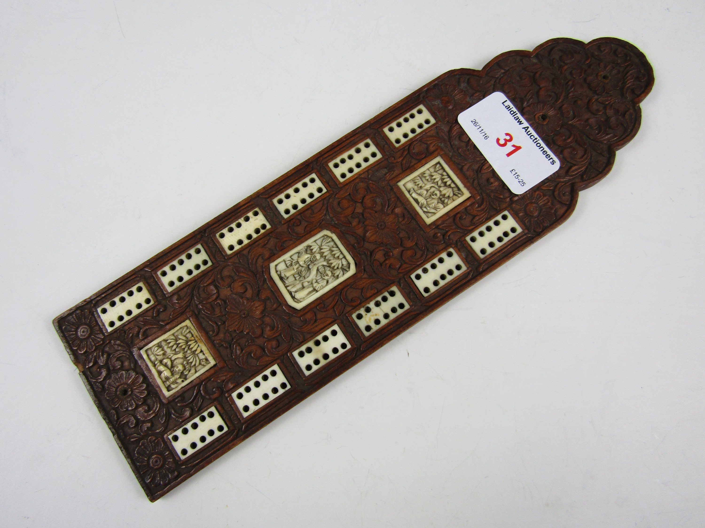 Lot 31 - A late 19th / early 20th Century Chinese ivory and hardwood cribbage board