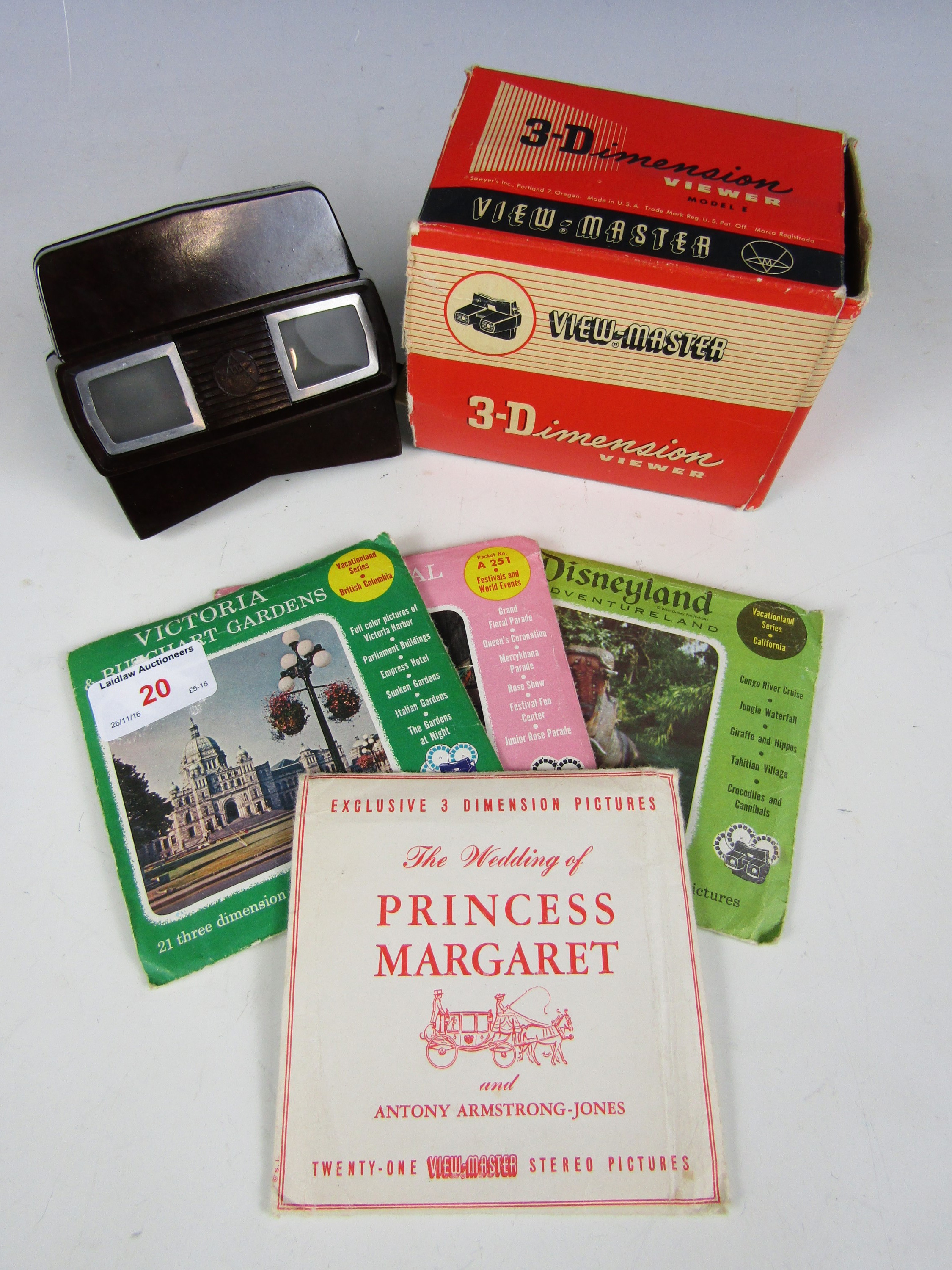 Lot 20 - A boxed Viewmaster with reels