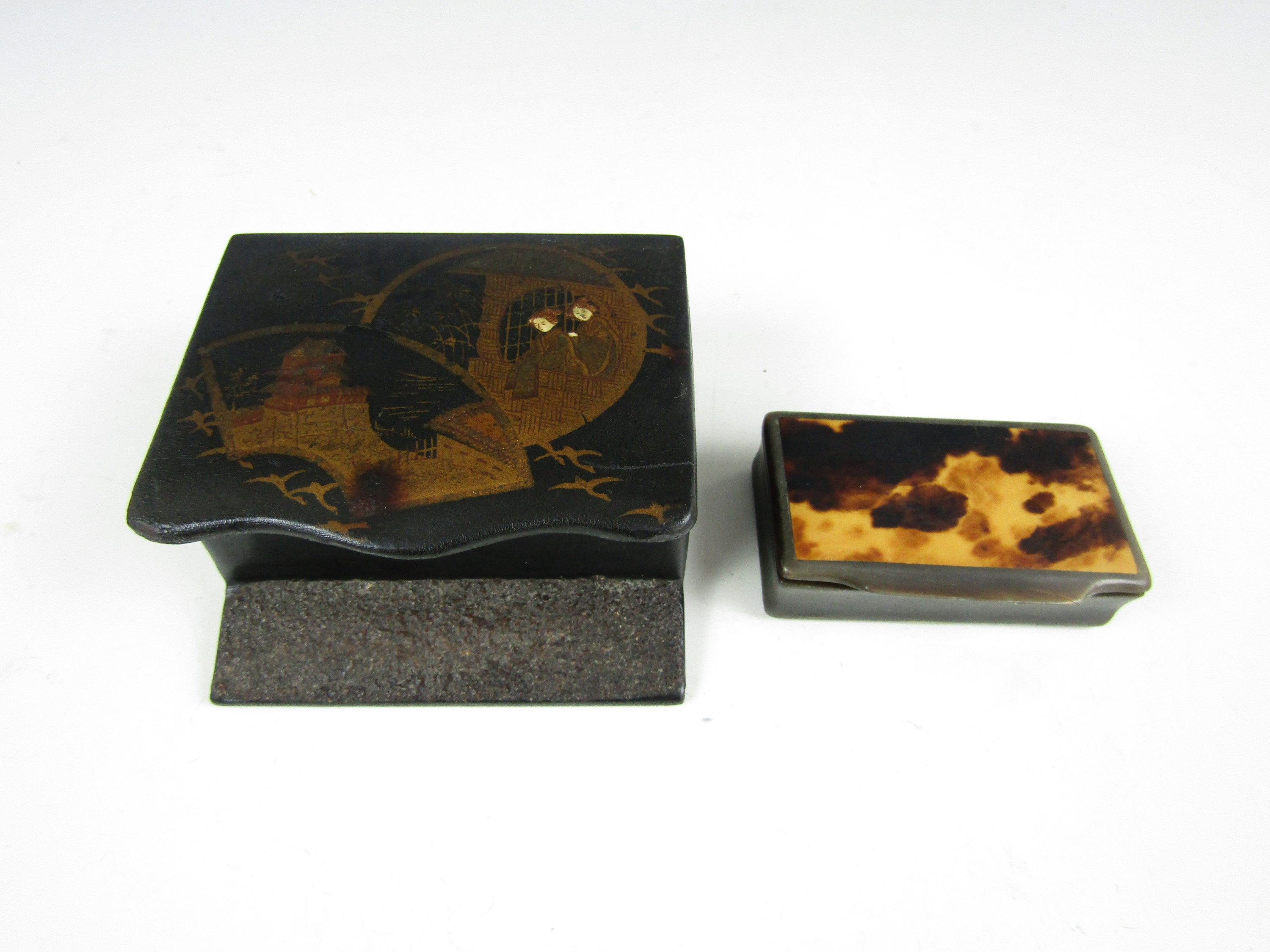 Lot 12 - A late 19th Century Chinoiserie lacquered match box together with a Victorian horn snuff box