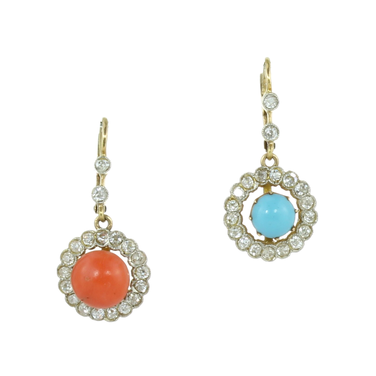 Los 17 - AN PAIR OF ANTIQUE INTERCHANGEABLE CORAL / TURQUOISE AND DIAMOND CLUSTER EARRINGS in high carat