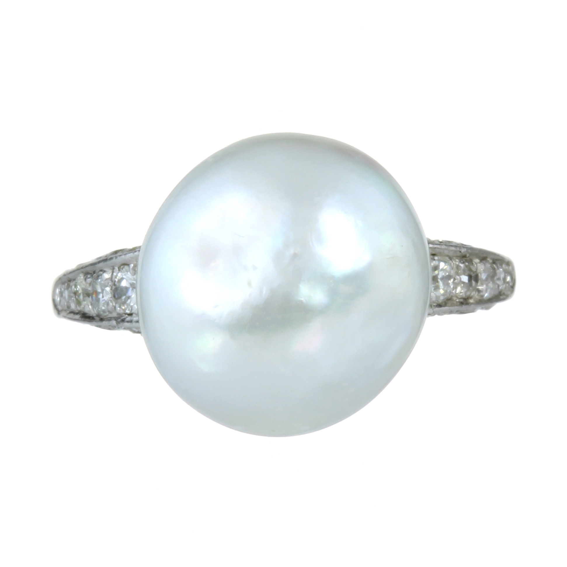 Los 42 - A 12.7MM NATURAL SALTWATER PEARL AND DIAMOND RING in white gold or platinum set with a central pearl