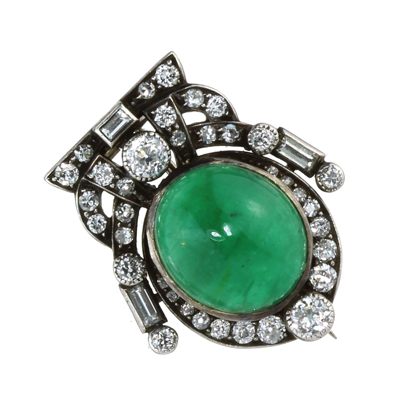 AN ANTIQUE EMERALD AND DIAMOND BROOCH in yellow and white gold, set with an oval cabochon emerald of
