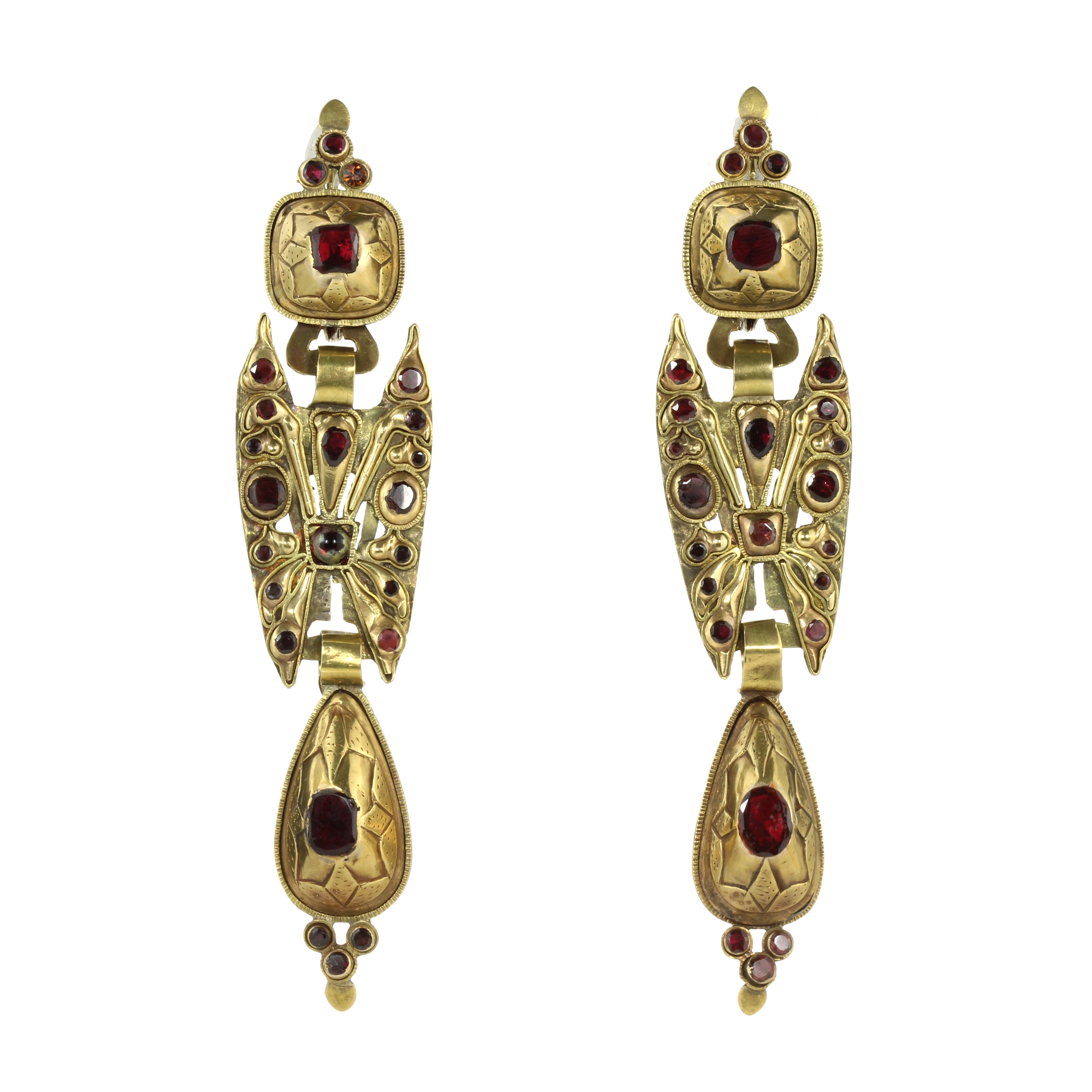 A PAIR OF ANTIQUE GARNET EARRINGS, CATALAN CIRCA 1790 in high carat yellow gold, each formed of