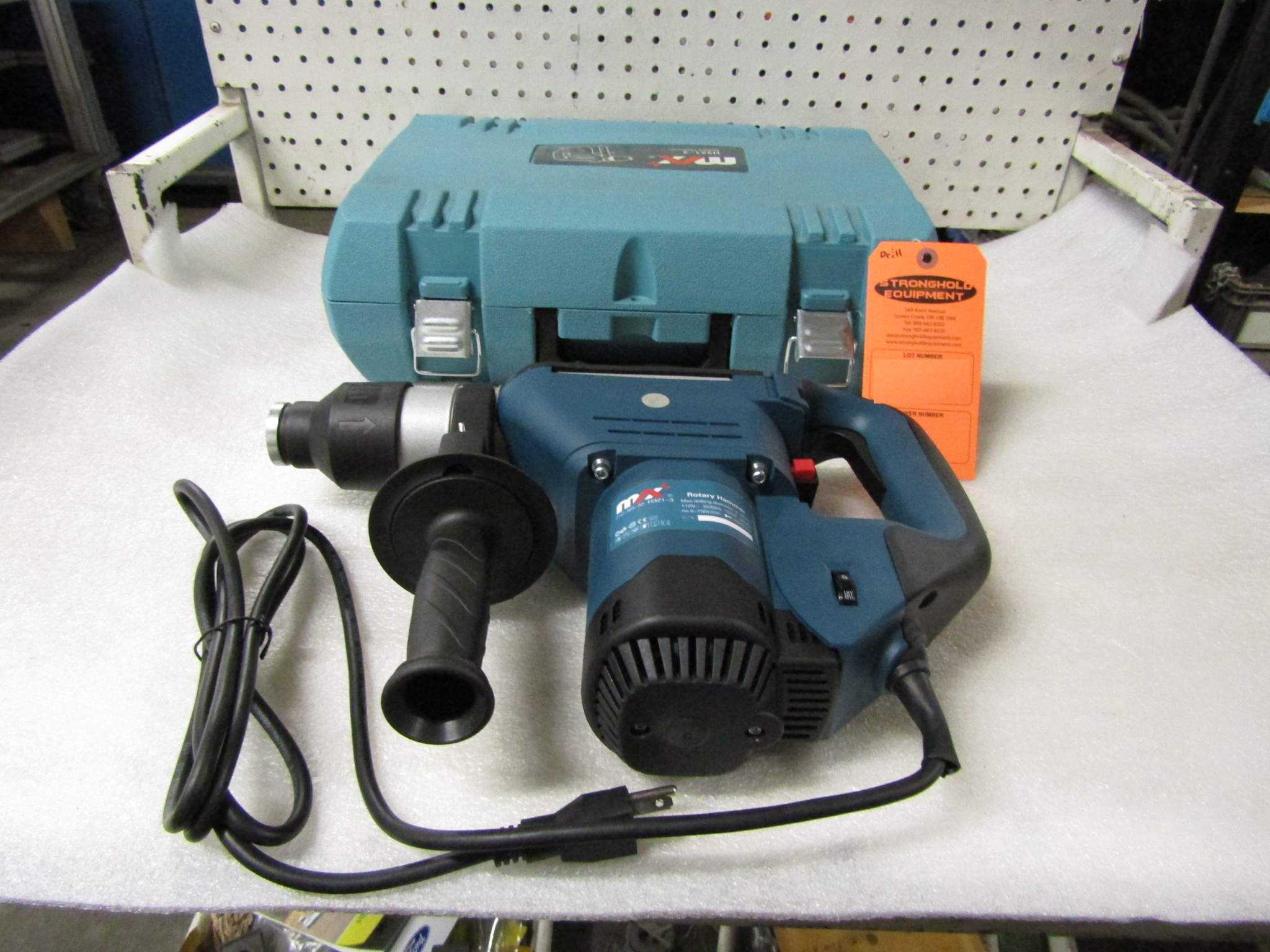 """Lot 21 - BRAND NEW Max Electric Rotary Hammer unit with 32mm / 1.25"""" max drilling diameter - model H-321"""