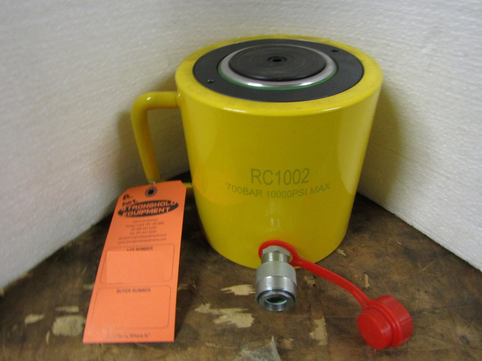 "Lot 45 - RC-1002 MINT - 100 ton Hydraulic Jack with 2"" stroke type cylinder"