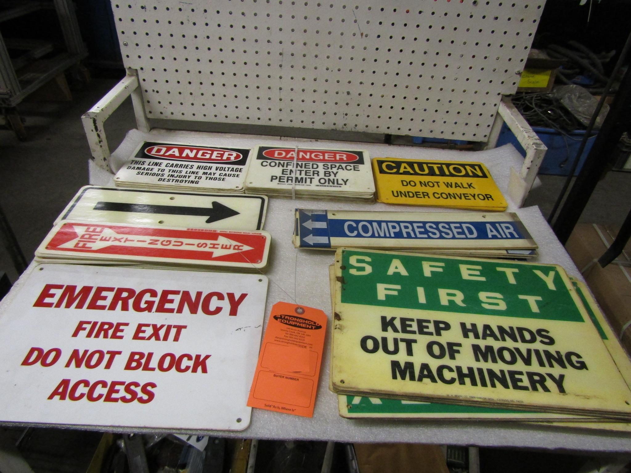 Lot 18 - Lot of Assorted Signs