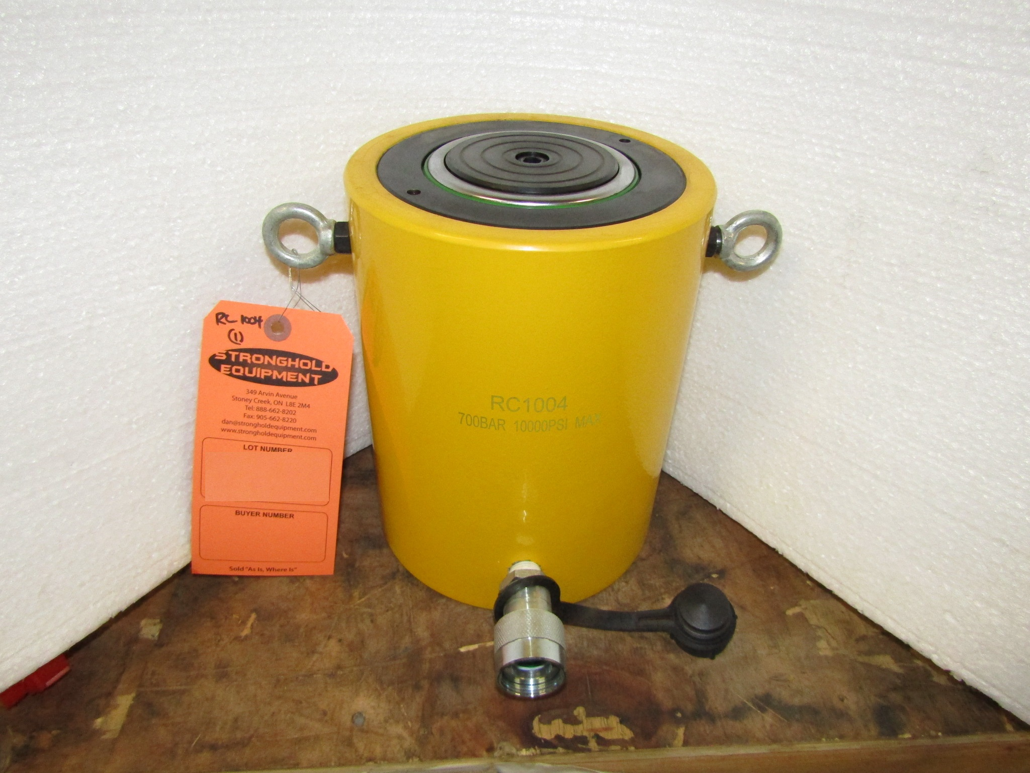 """Lot 46 - RC-1004 MINT - 100 ton Hydraulic Jack with 4"""" stroke type cylinder"""