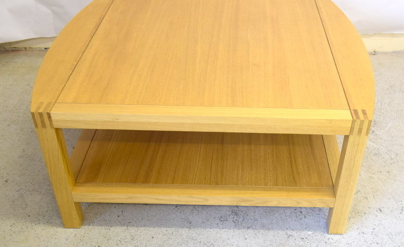 An Oak Coffee Table With Under Tray 50 X 100 X 110