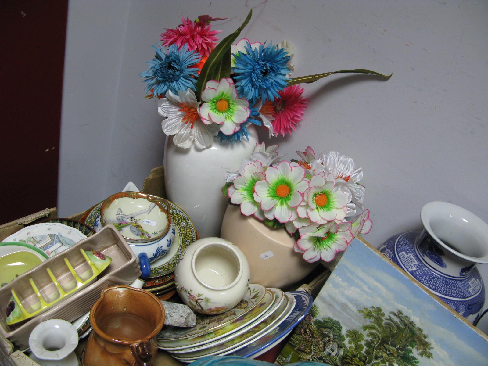 Lot 1047 - A Willow Pattern Ovoid Vase, further vases, cabinet plates, milk jug, toast rack, etc.