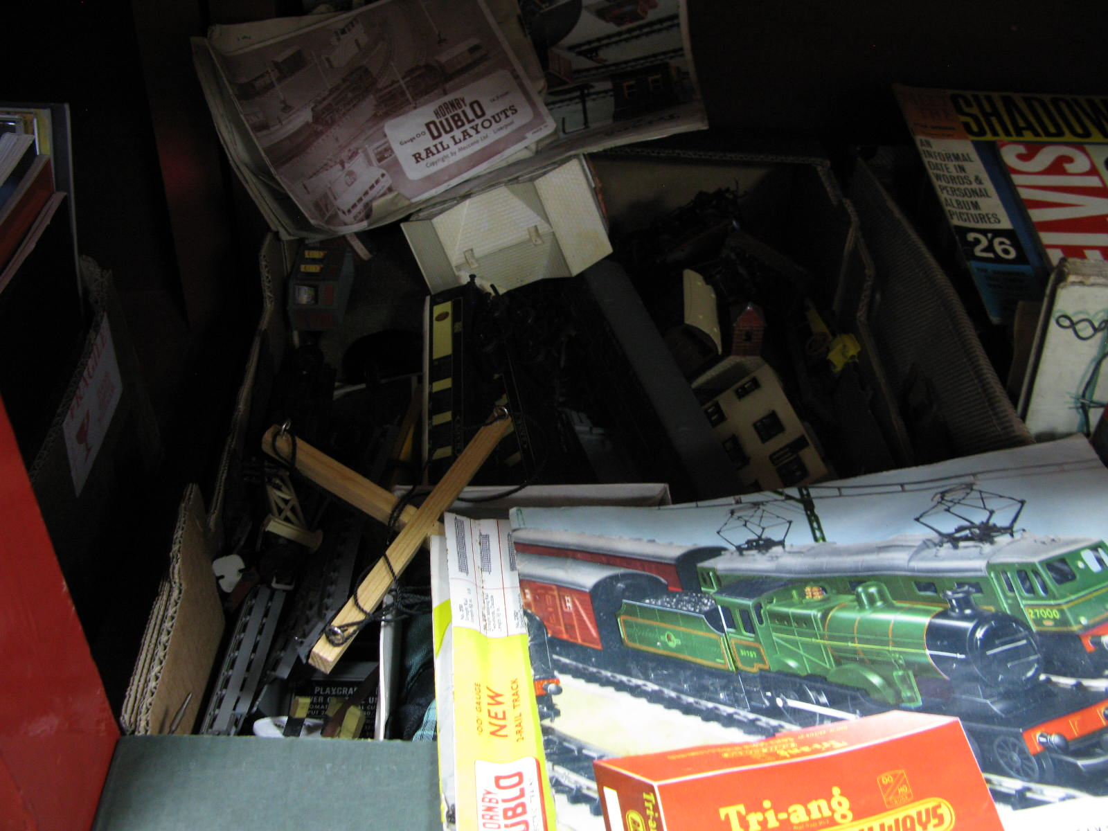 Lot 1032 - A Quantity of 'OO' Hornby Dublo Carriages, loco, rolling stock, track and layout, transformers