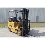 "CATERPILLAR T50D 4,850 LB CAPACITY LPG FORKLIFT WITH 188"" LIFT, 3 STAGE MAST, SIDE SHIFT, SOLID"