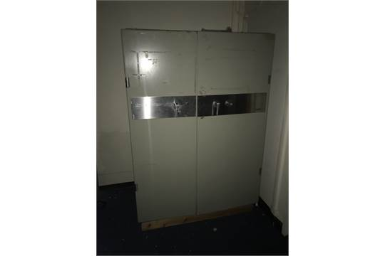 CHUBB FIRE SAFE DOUBLE DOORS UNLOCKED BUT NO KEYS COLLECTION