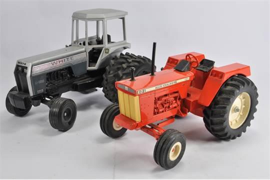 Ertl Loose Tractor Duo including White 2-155 plus Allis