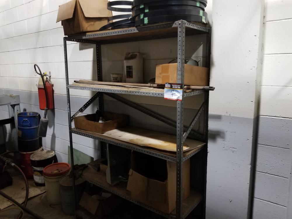 Metal shelf and its contents / Étagère de métal et son contenu - Image 3 of 3