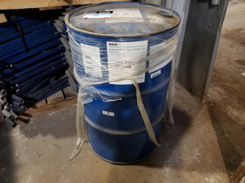 5 Ribs and 2 barrels of resin / 5 Tôtes et 2 barils de résine - Image 2 of 2