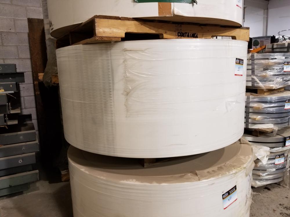 Glossy paper roll about 2650 meters / Rouleau de papier glacé environ 2650 mètres