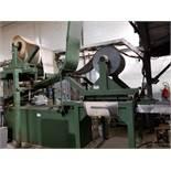 Machine for manufacturing insulating shapes / Machine à fabriquer des formes isolantes