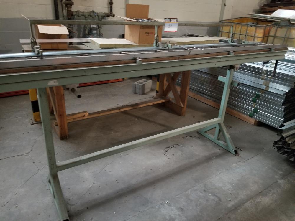 Metal holder / Support à métal