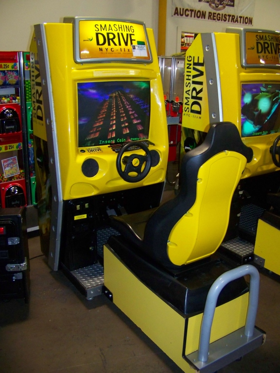 Lot 219 - SMASHING DRIVE NYC RACING ARCADE GAME