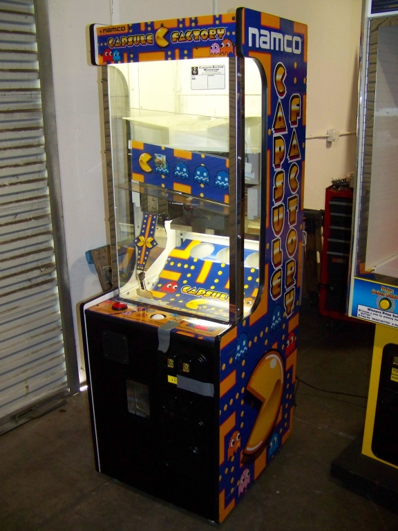 Lot 252 - CAPSULE FACTORY PRIZE REDEMPTION GAME NAMCO